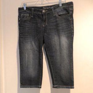 Decree Size 9 Women's Denim Long shorts